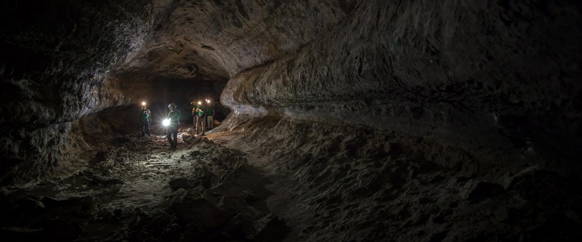 Подземные туннели Луны и Марса оказались идеальным местом для колоний