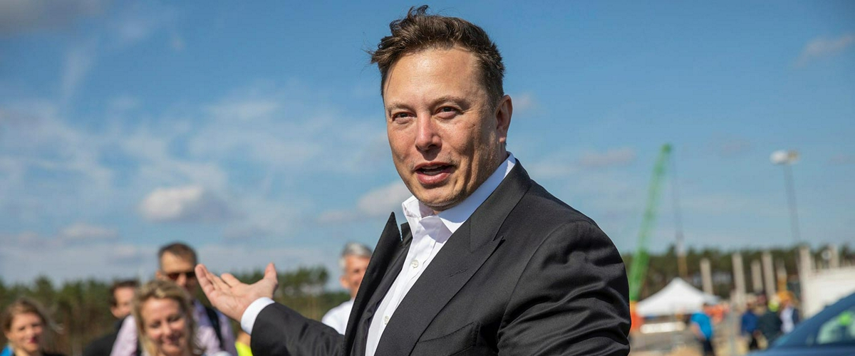 """Илон Маск: """"Автопилот во врезавшейся в дерево Tesla был отключен"""""""