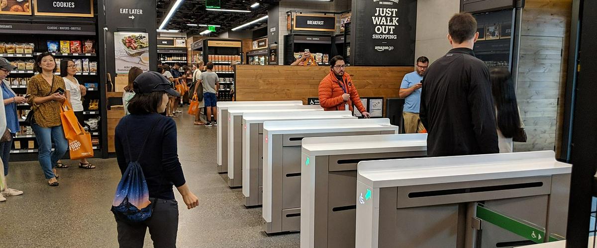 Amazon открыла первый бескассовый полноразмерный магазин