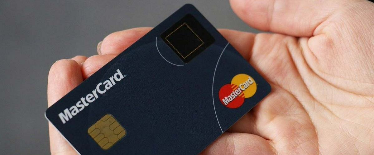 Samsung и Mastercard выпустят кредитную карту с биометрическим сканером