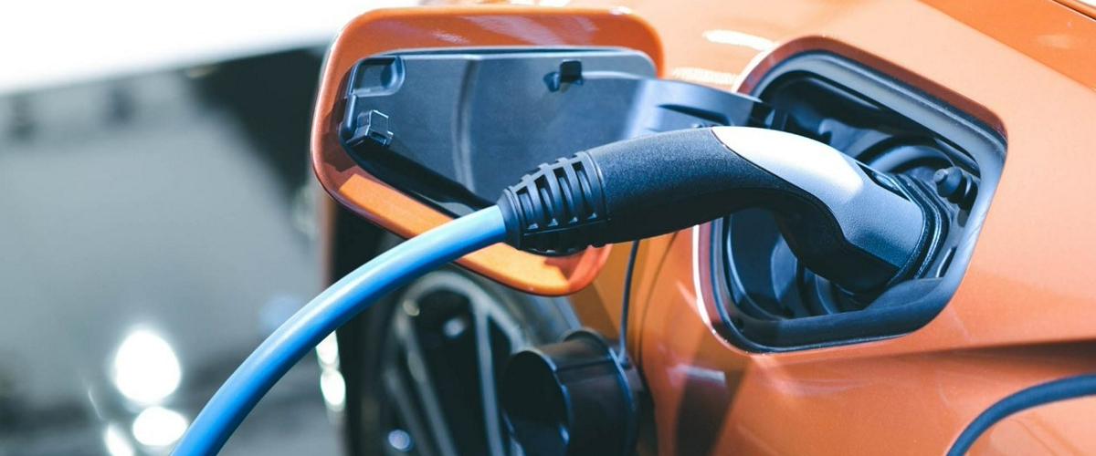 Прорывная литий-металлическая батарея позволит заряжать электромобиль за 10 минут