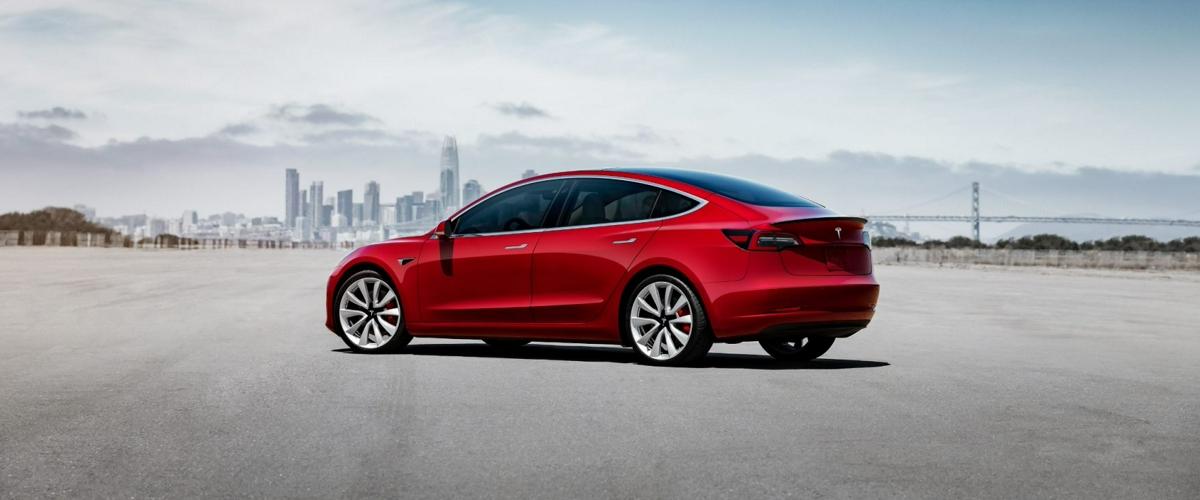 Старт электромобилей Tesla с места станет еще стремительнее