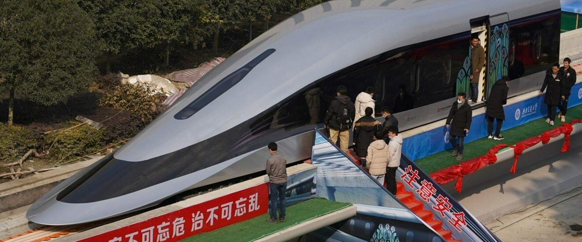 Прототип китайского поезда на магнитной подушке разгоняется до 620 км/ч
