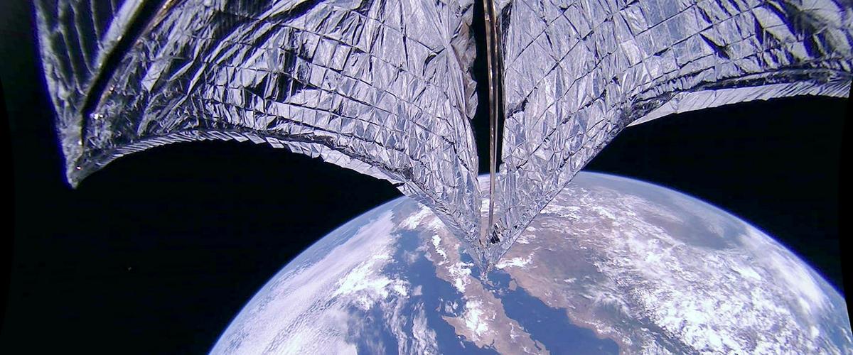 Спутник с солнечным парусом оказался эффективнее, чем предполагалось